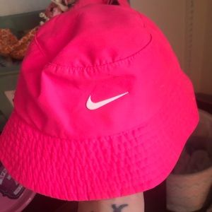 Infant Nike sun hat, worn once . Almost new